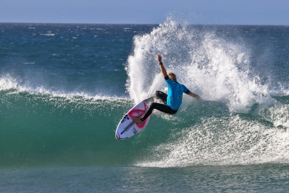 Volkswagen-SA-Open-of-Surfing-pres-by-Hurley- -Ian-Thurtell--JACKSON-BAKER-2