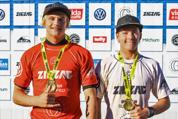 ZigZag Durban_surf_pro__Junior_and_open_mens_winners_IanThurtell